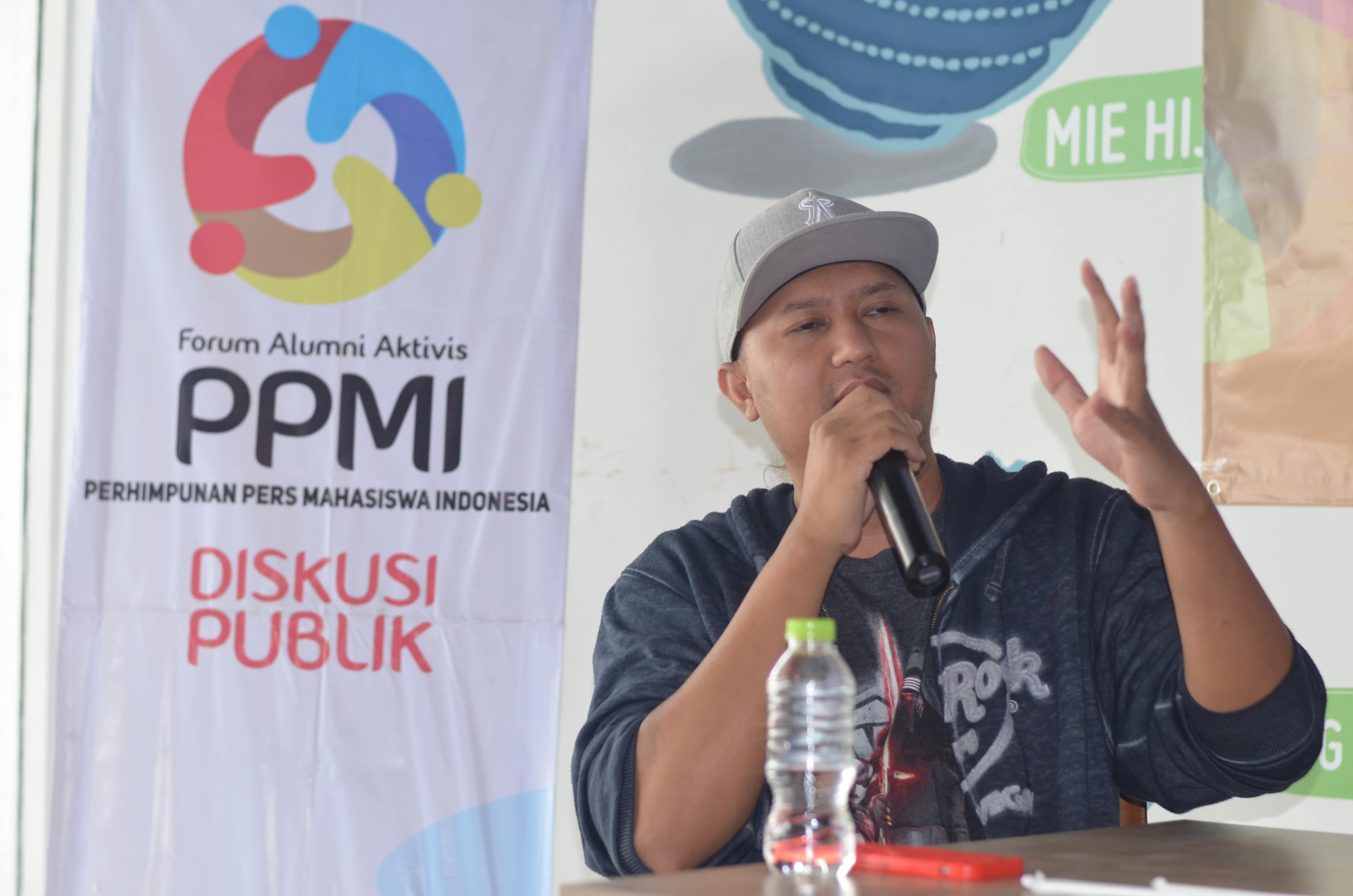 Anggi Umbara Film Maker (Sutradara film Comic 8)