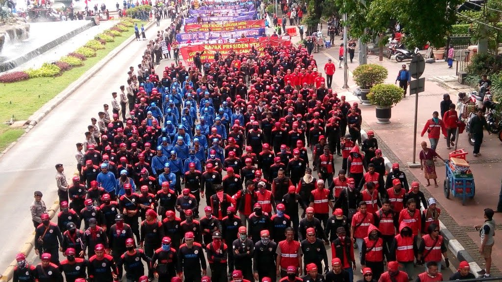 Aksi buruh memperingati May Day. Foto: Koran Perdjoeangan